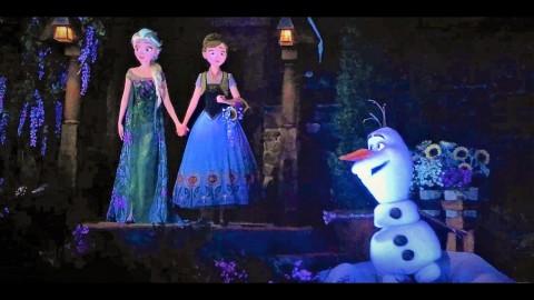 Découvrez l'attraction sur la reine des neiges